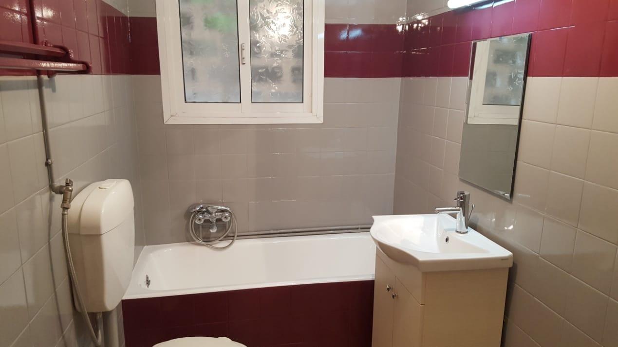 Επισμάλτωση πλακιδίων μπάνιου σε διχρωμία